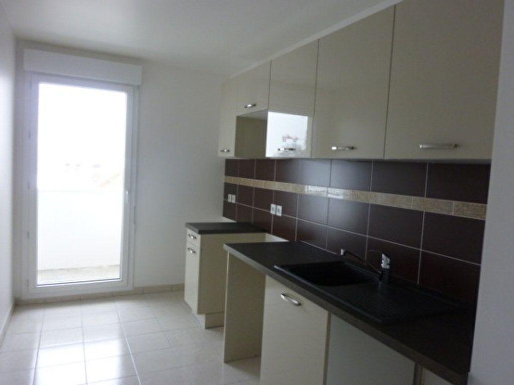 Appartement à louer 3 62.55m2 à Saint-Michel-sur-Orge vignette-4
