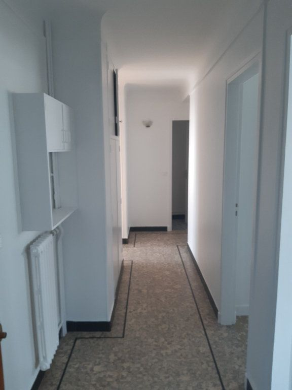 Appartement à louer 3 72.95m2 à Sainte-Geneviève-des-Bois vignette-4