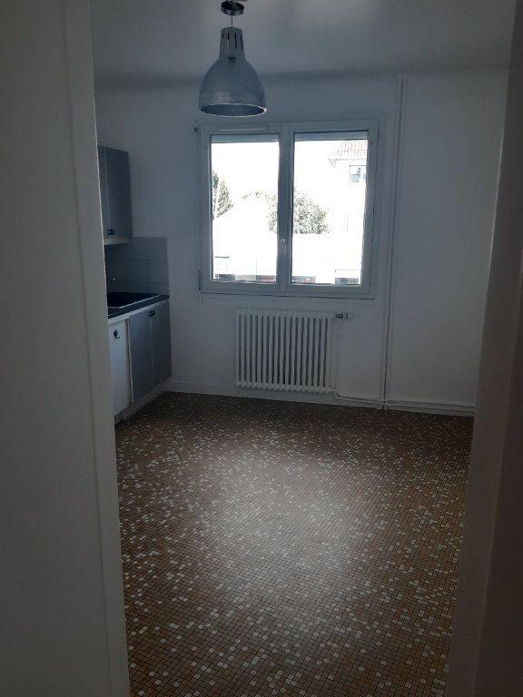 Appartement à louer 3 72.95m2 à Sainte-Geneviève-des-Bois vignette-5