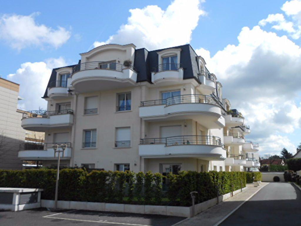 Appartement à louer 2 54.08m2 à Sainte-Geneviève-des-Bois vignette-1