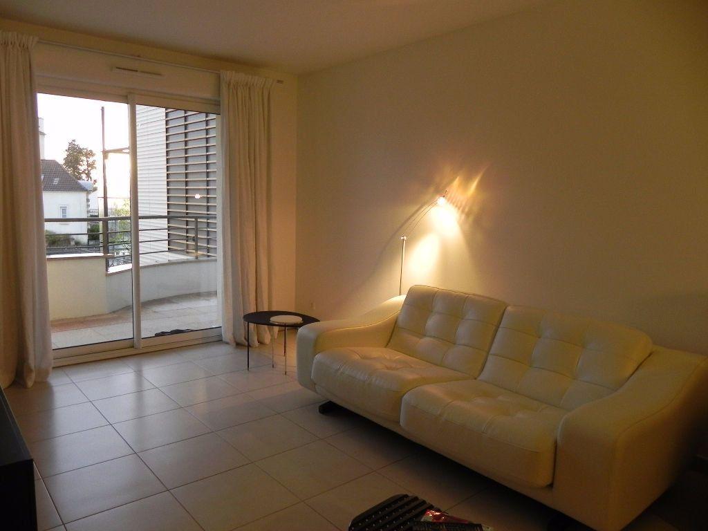 Appartement à louer 2 54.08m2 à Sainte-Geneviève-des-Bois vignette-2