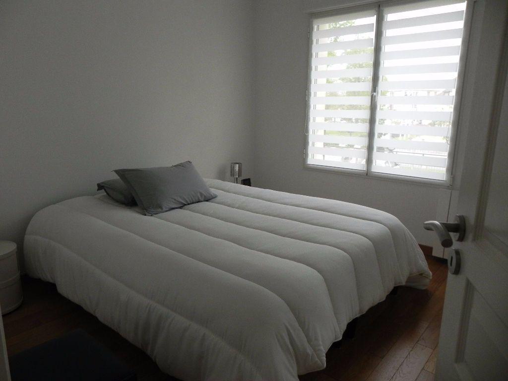 Appartement à louer 2 54.08m2 à Sainte-Geneviève-des-Bois vignette-4