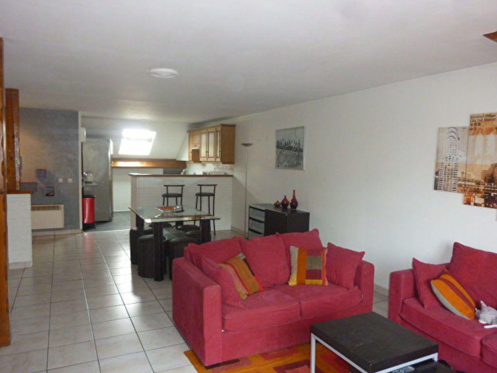 Appartement à louer 4 72m2 à Sainte-Geneviève-des-Bois vignette-2