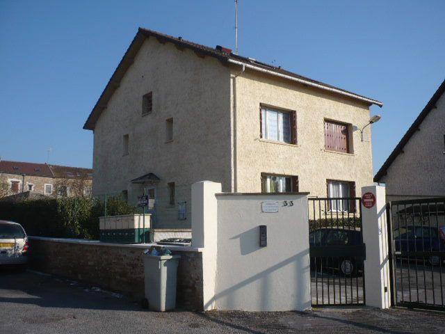 Appartement à louer 1 14.22m2 à La Ville-du-Bois vignette-1