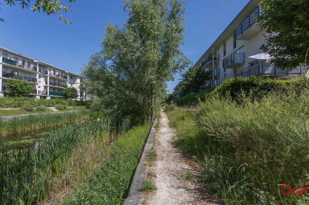 Appartement à louer 2 43.26m2 à Sainte-Geneviève-des-Bois vignette-6