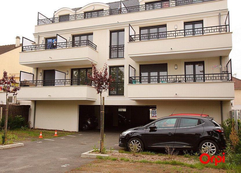 Appartement à louer 2 53.6m2 à Sainte-Geneviève-des-Bois vignette-1