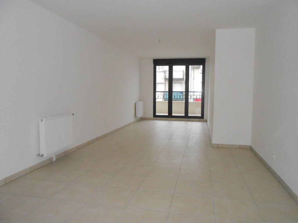 Appartement à louer 2 53.6m2 à Sainte-Geneviève-des-Bois vignette-2