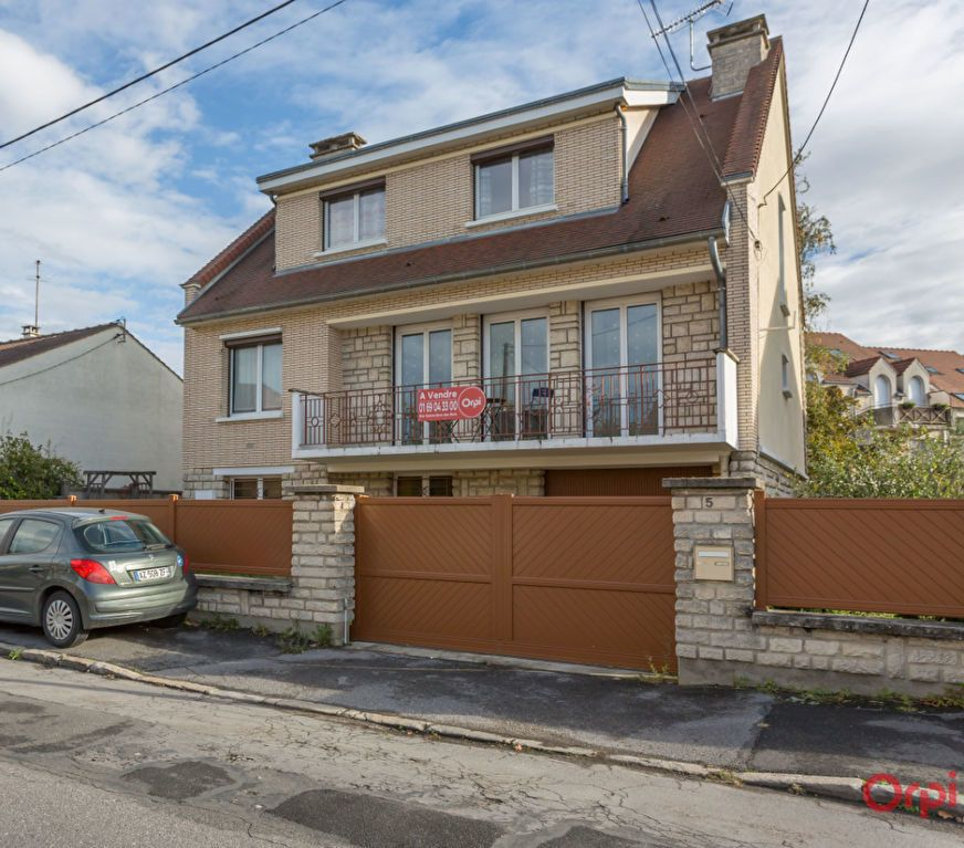 Maison à vendre 6 150m2 à Sainte-Geneviève-des-Bois vignette-1