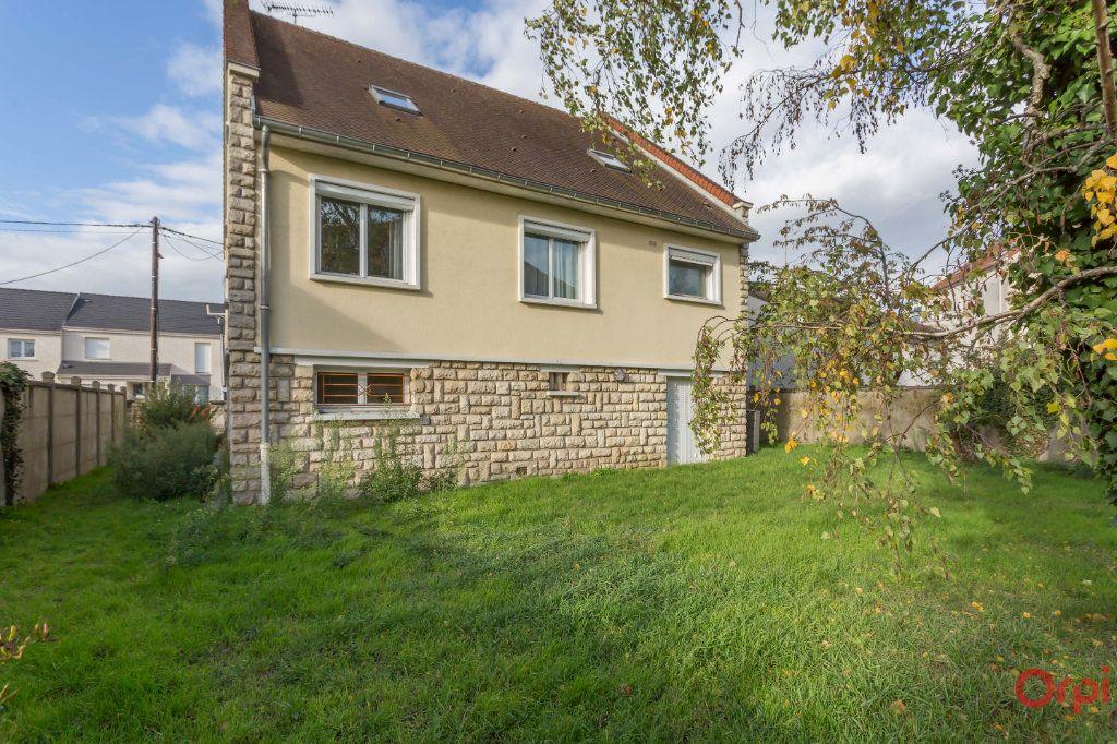 Maison à vendre 6 150m2 à Sainte-Geneviève-des-Bois vignette-2