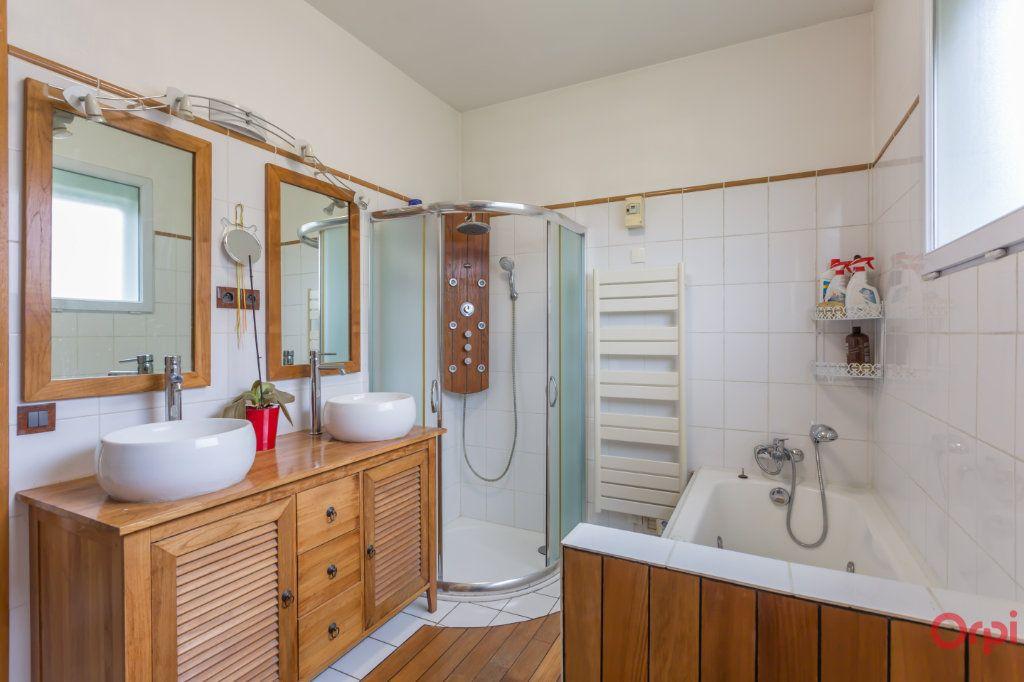 Maison à vendre 6 150m2 à Sainte-Geneviève-des-Bois vignette-9