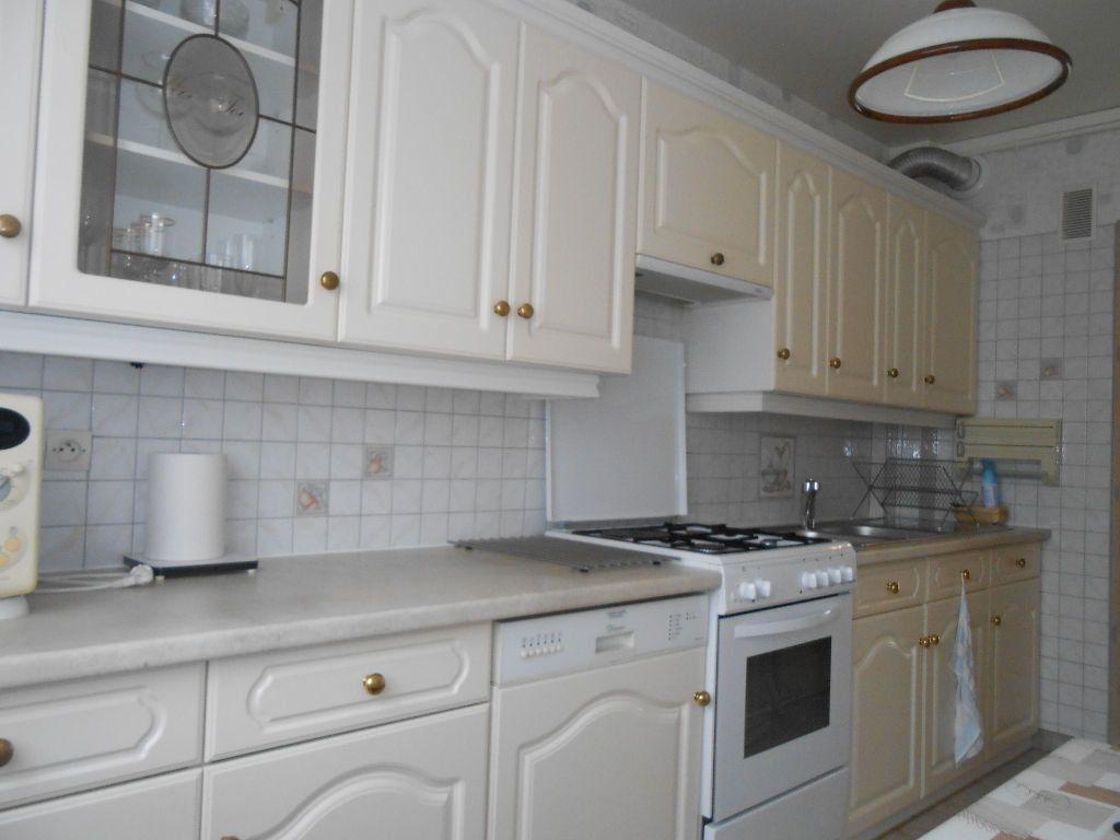 Appartement à louer 3 60.63m2 à Sainte-Geneviève-des-Bois vignette-2