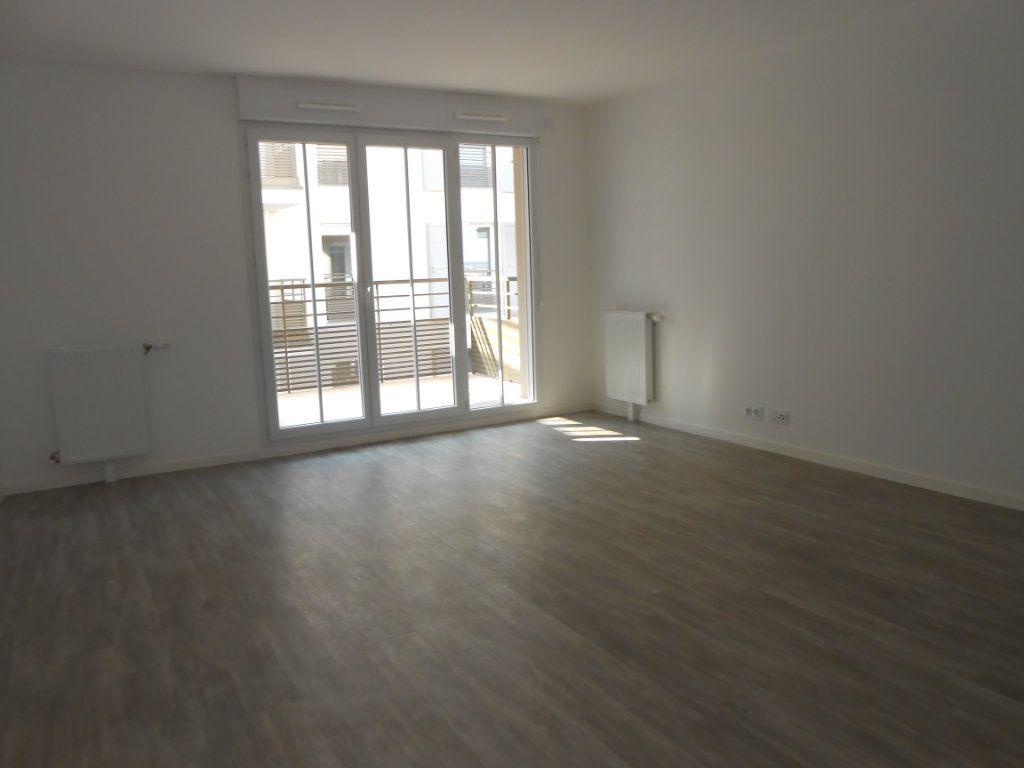 Appartement à louer 1 33.15m2 à Juvisy-sur-Orge vignette-1