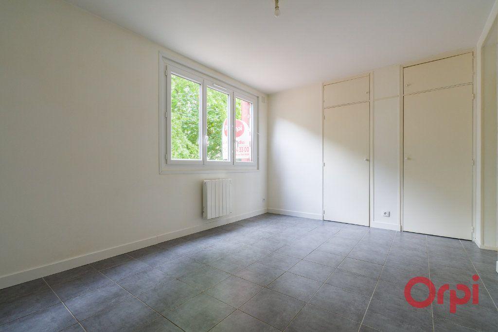 Appartement à vendre 3 54.66m2 à Sainte-Geneviève-des-Bois vignette-1