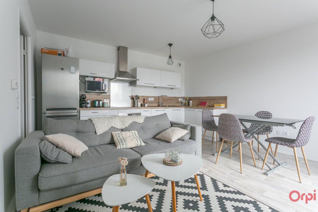 Appartement à louer 3 53.99m2 à Fleury-Mérogis vignette-1