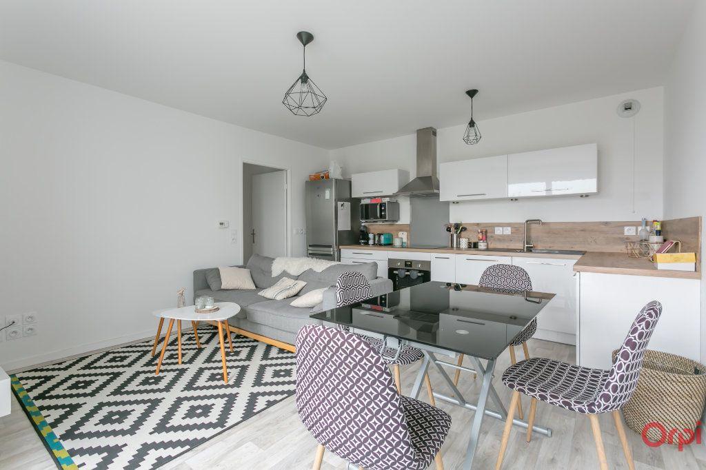 Appartement à louer 3 53.99m2 à Fleury-Mérogis vignette-2