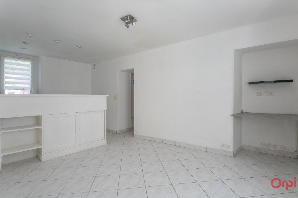 Appartement à louer 2 31.26m2 à Sainte-Geneviève-des-Bois vignette-1