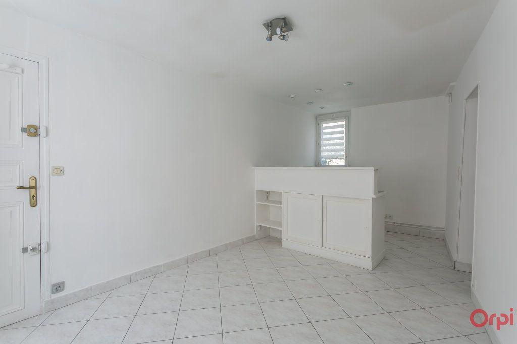Appartement à louer 2 31.26m2 à Sainte-Geneviève-des-Bois vignette-2