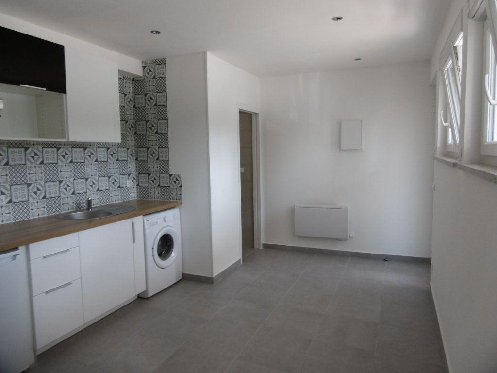 Appartement à louer 1 18.51m2 à Sainte-Geneviève-des-Bois vignette-4