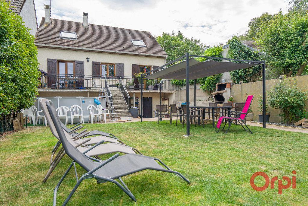 Maison à vendre 6 113m2 à Sainte-Geneviève-des-Bois vignette-1