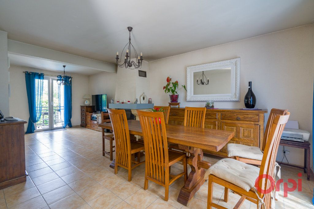 Maison à vendre 6 113m2 à Sainte-Geneviève-des-Bois vignette-2