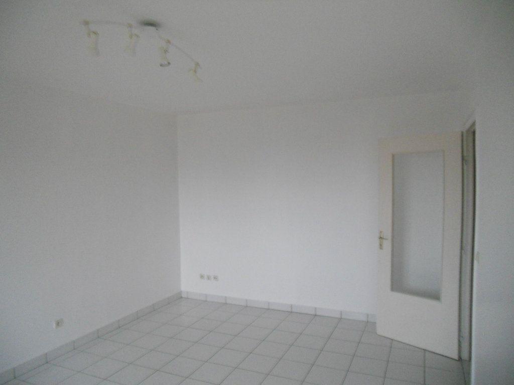 Appartement à louer 2 41m2 à Cheptainville vignette-2
