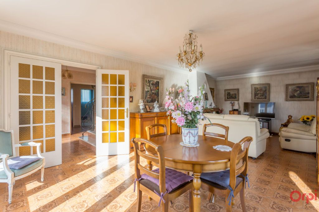 Maison à vendre 6 147m2 à Sainte-Geneviève-des-Bois vignette-1