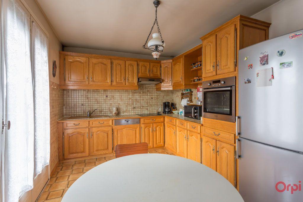 Maison à vendre 6 147m2 à Sainte-Geneviève-des-Bois vignette-3