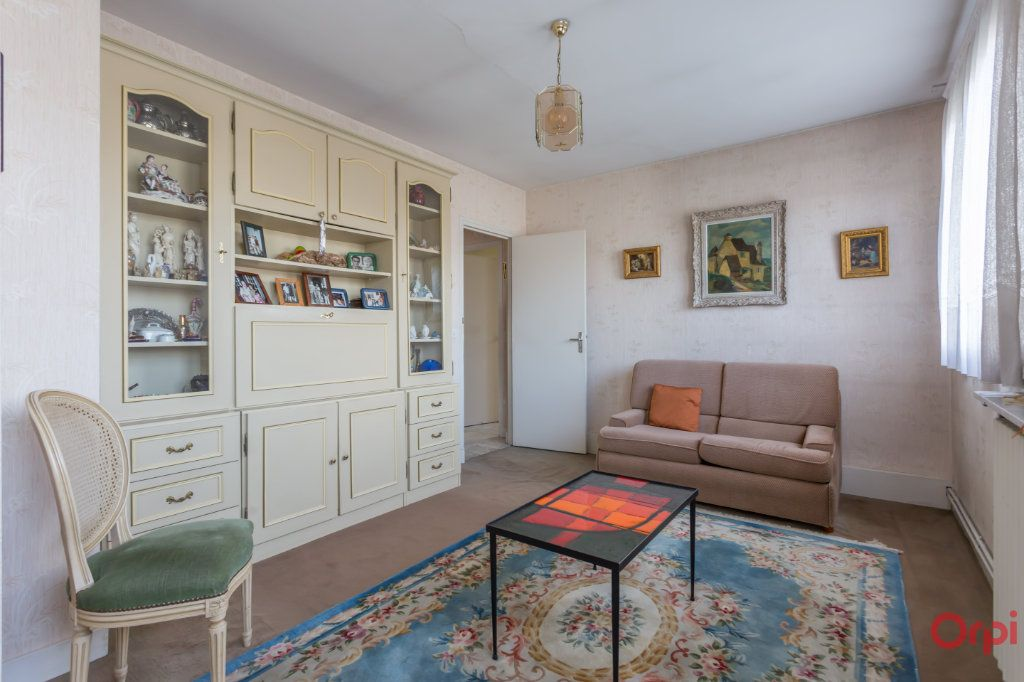 Maison à vendre 6 147m2 à Sainte-Geneviève-des-Bois vignette-5