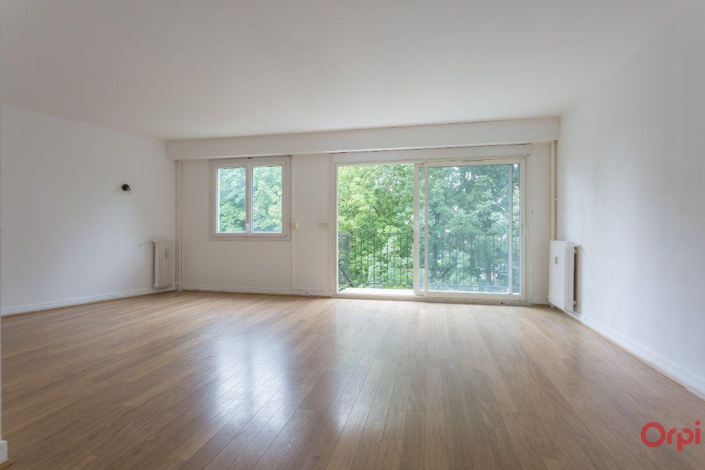 Appartement à louer 4 77.02m2 à Sainte-Geneviève-des-Bois vignette-1