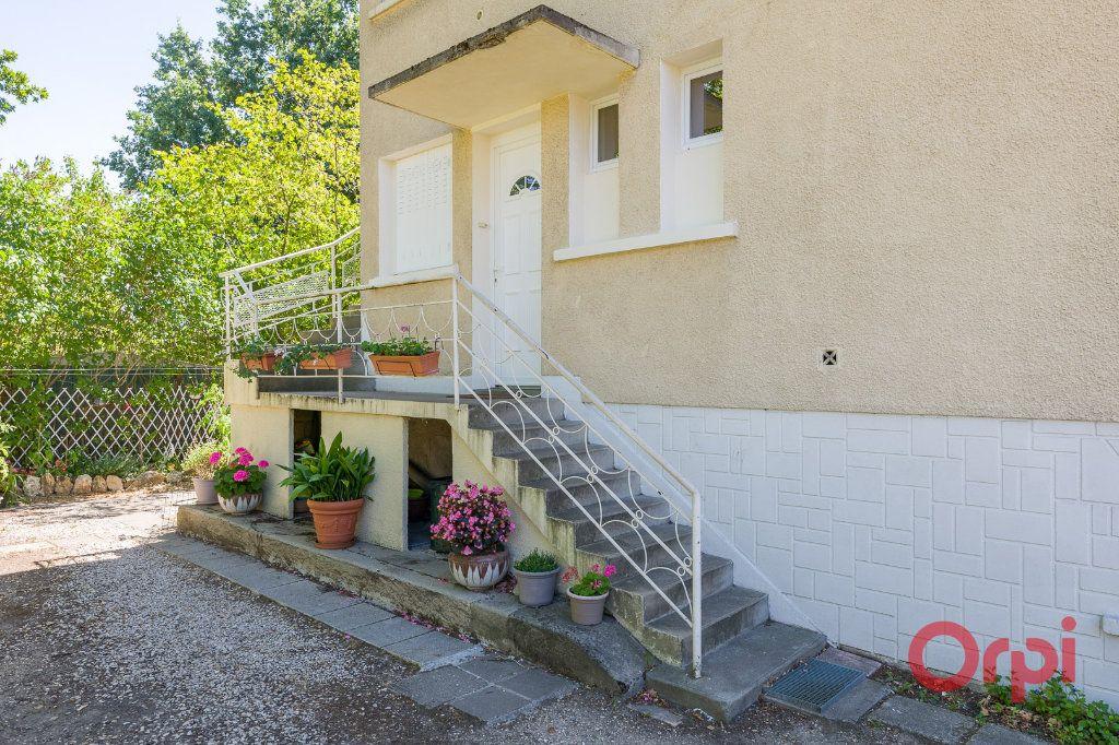 Appartement à louer 3 46.99m2 à Sainte-Geneviève-des-Bois vignette-8