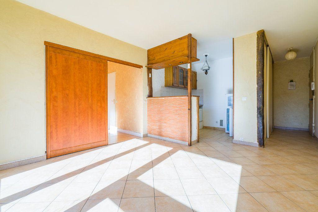 Appartement à louer 2 38.54m2 à Saint-Michel-sur-Orge vignette-2