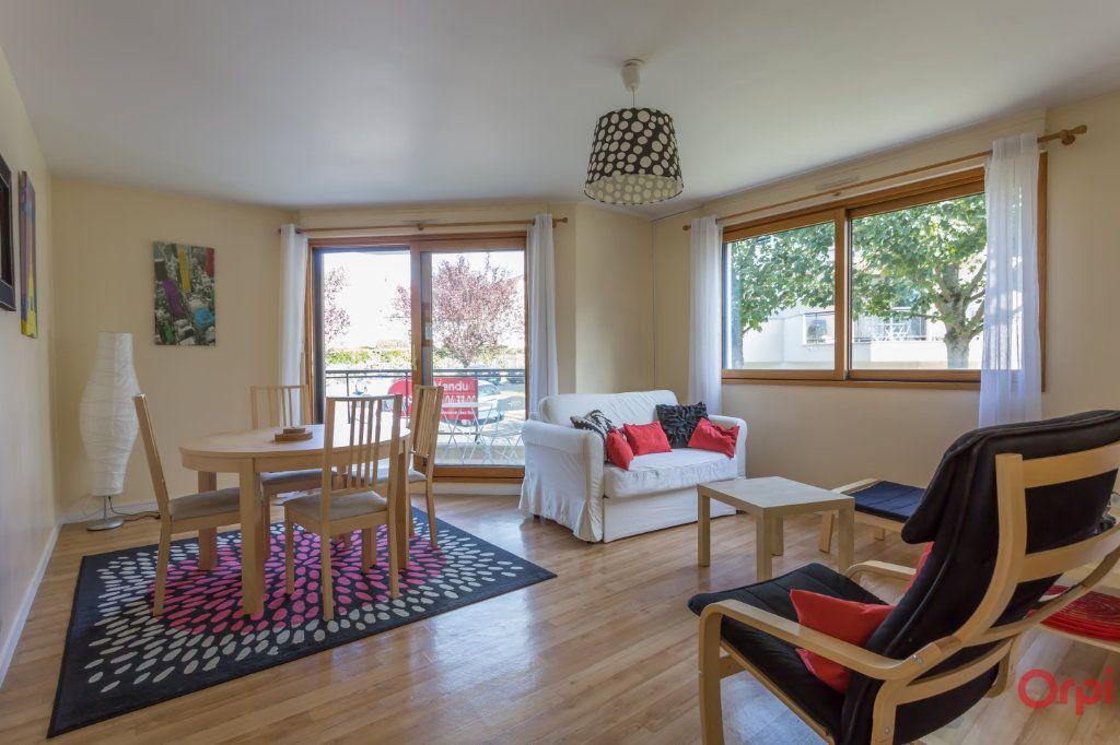 Appartement à vendre 2 54.5m2 à Sainte-Geneviève-des-Bois vignette-3