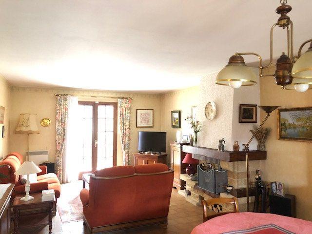 Maison à vendre 5 108m2 à Sainte-Geneviève-des-Bois vignette-2