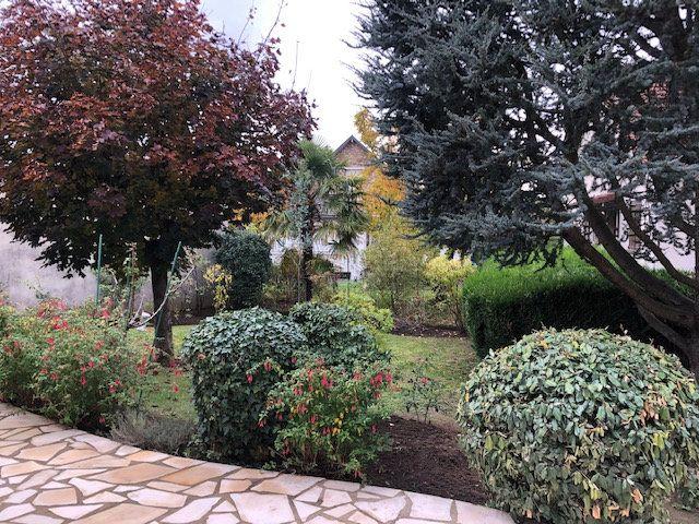 Maison à vendre 5 108m2 à Sainte-Geneviève-des-Bois vignette-4