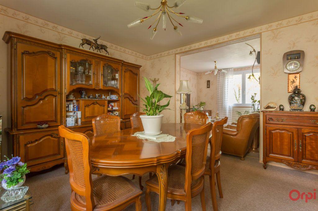 Appartement à vendre 4 66m2 à Sainte-Geneviève-des-Bois vignette-1