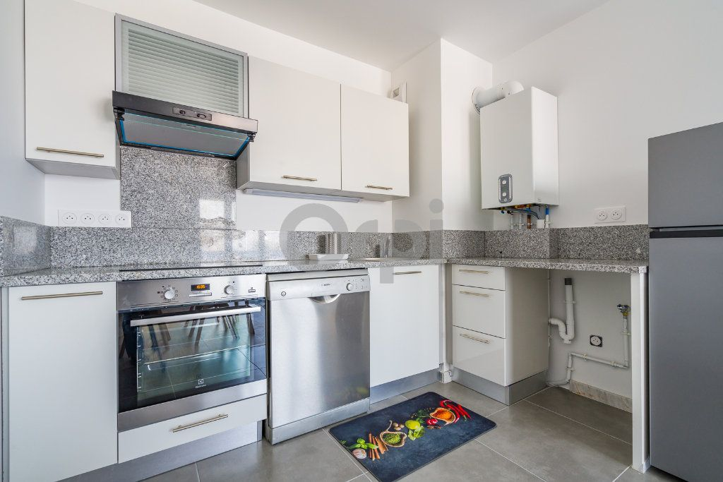 Appartement à louer 2 46.16m2 à Sainte-Geneviève-des-Bois vignette-3