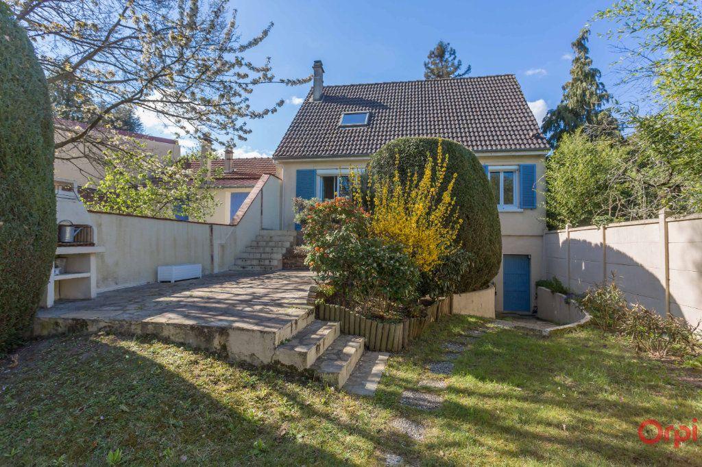 Maison à vendre 5 110m2 à Sainte-Geneviève-des-Bois vignette-1