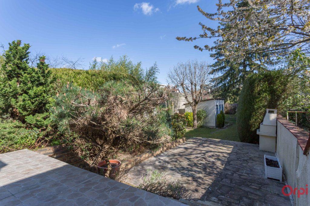 Maison à vendre 5 110m2 à Sainte-Geneviève-des-Bois vignette-9