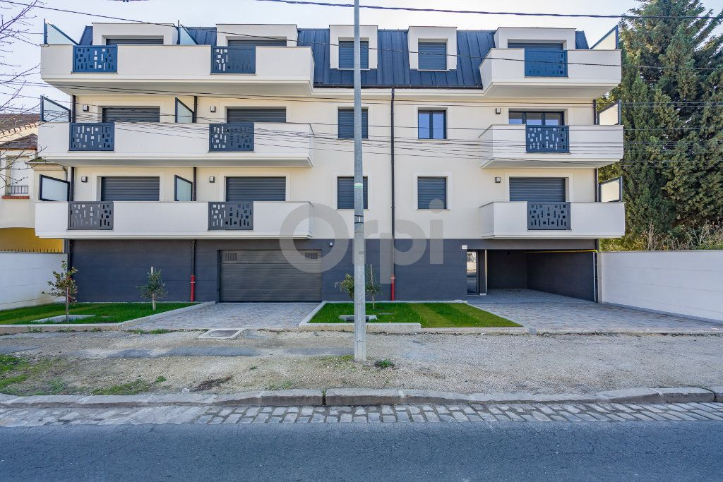 Appartement à louer 1 30.05m2 à Sainte-Geneviève-des-Bois vignette-2