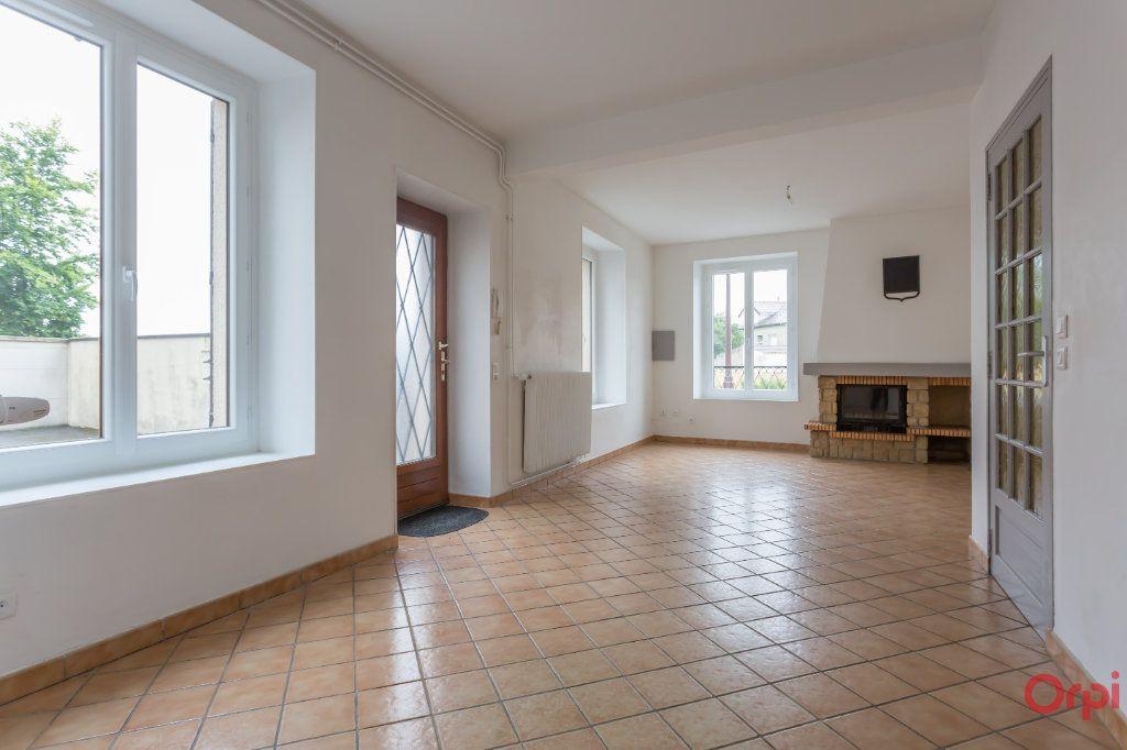 Appartement à louer 4 86.65m2 à Le Plessis-Pâté vignette-2