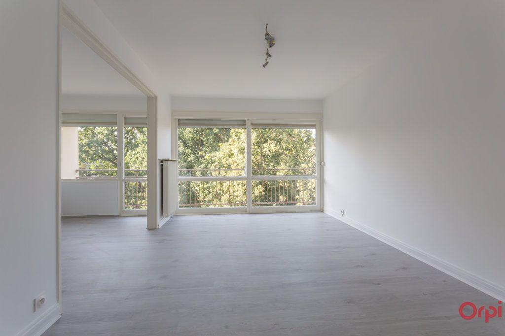 Appartement à louer 4 69.76m2 à Saint-Michel-sur-Orge vignette-1