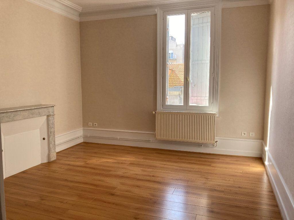 Appartement à louer 1 44.5m2 à Périgueux vignette-1