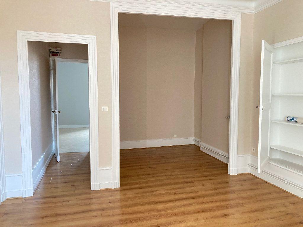 Appartement à louer 1 44.5m2 à Périgueux vignette-2
