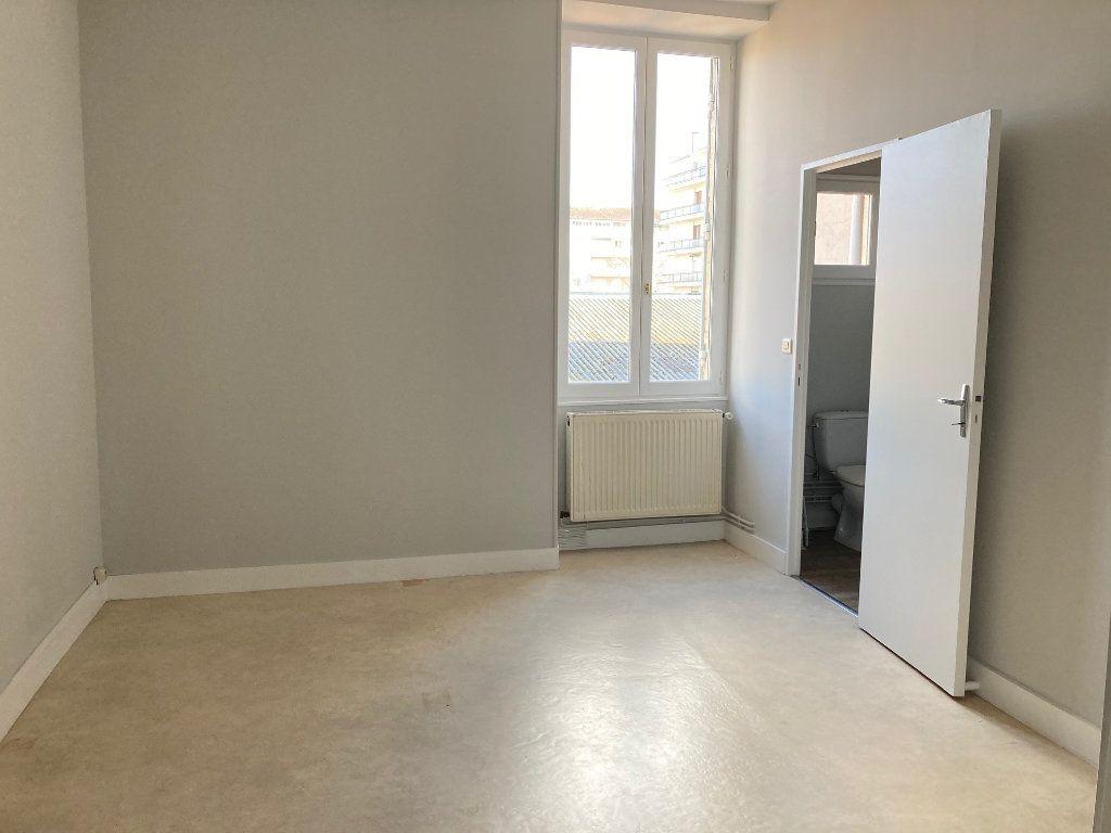Appartement à louer 1 44.5m2 à Périgueux vignette-6
