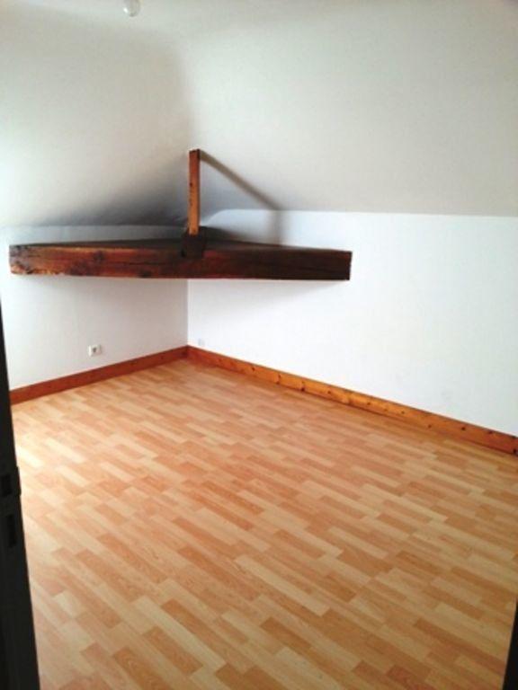 Appartement à louer 2 24m2 à Saint-Astier vignette-2