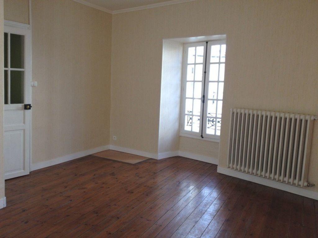 Maison à louer 5 115m2 à Saint-Astier vignette-3