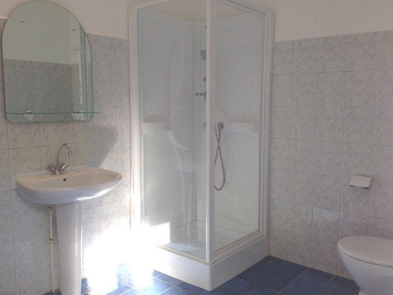 Maison à louer 5 115m2 à Saint-Astier vignette-6