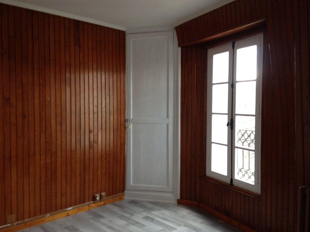 Maison à louer 5 115m2 à Saint-Astier vignette-9