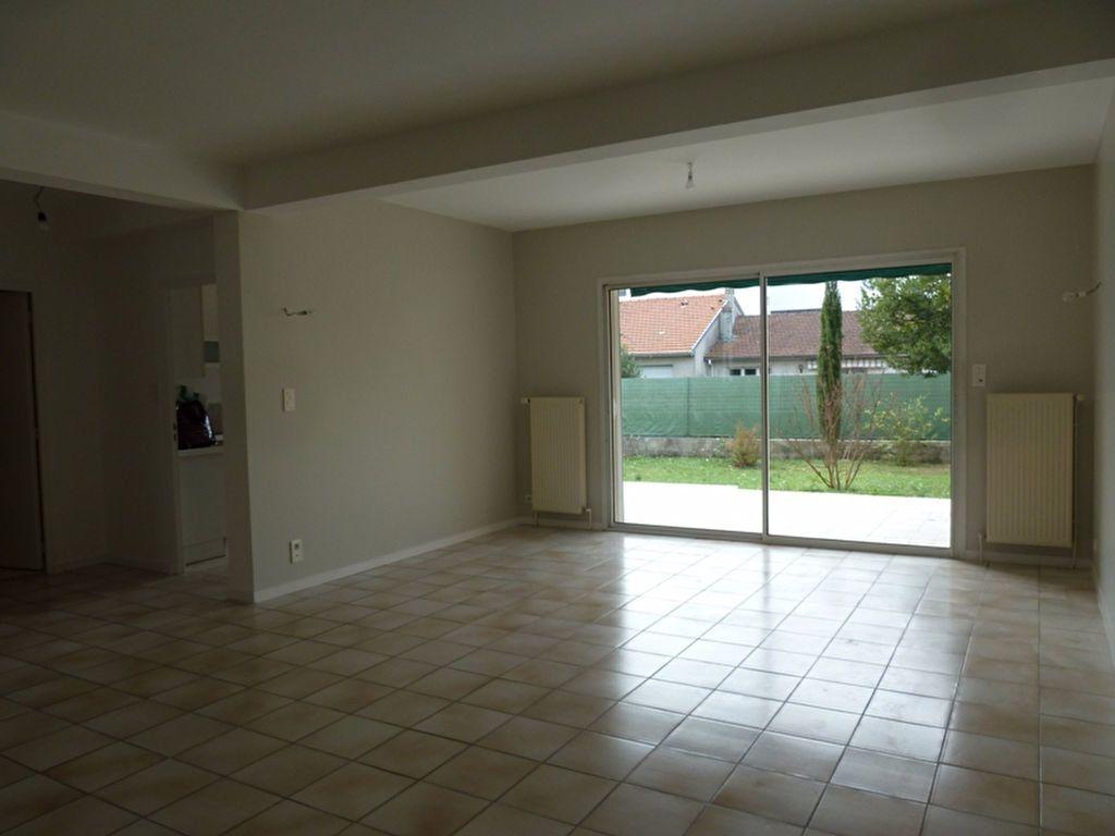 Maison à louer 6 175m2 à Périgueux vignette-2