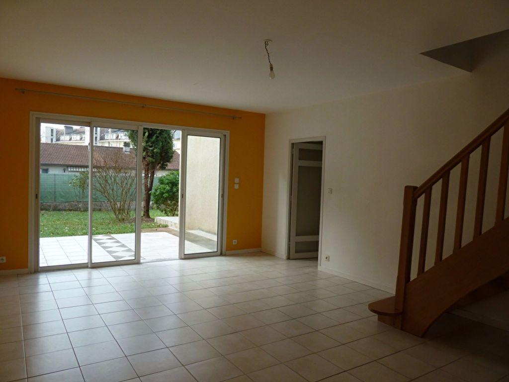 Maison à louer 6 175m2 à Périgueux vignette-4